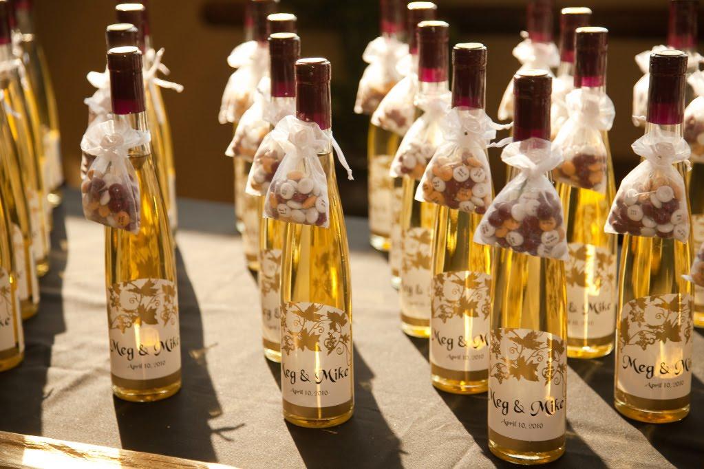 wine bottles for wedding favors - Wedding Decor Ideas