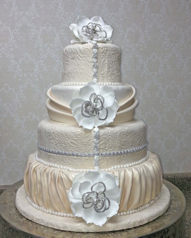 bling out wedding cakes blinged out wedding cakes 11922