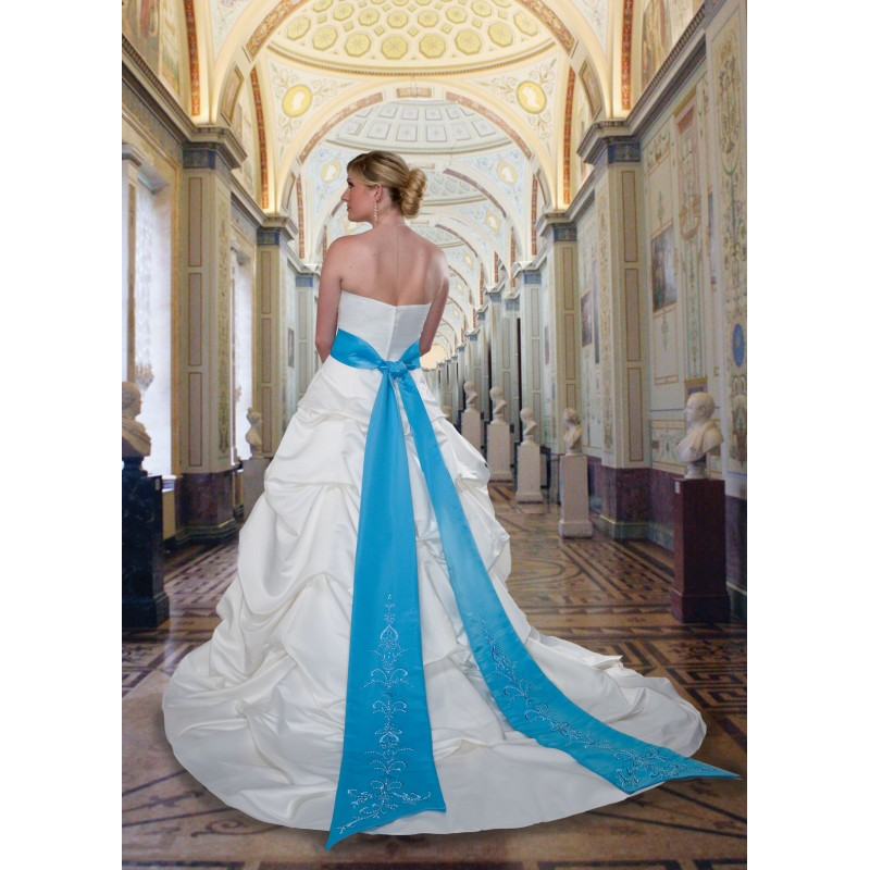 Teal Wedding Gown: Teal And White Wedding Dress