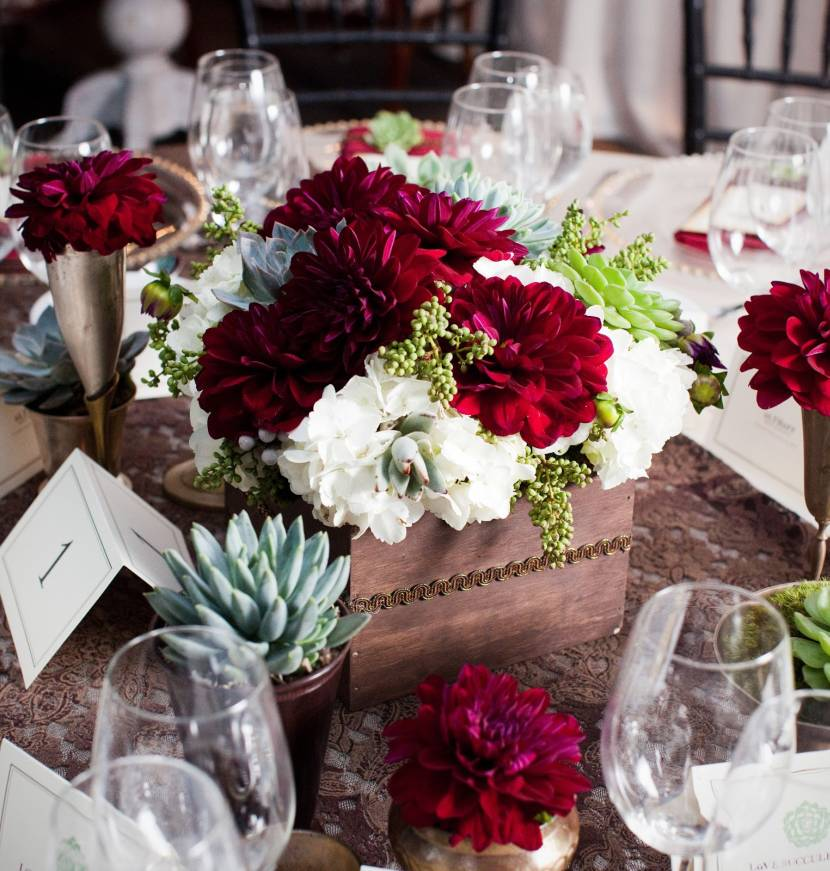 Red and white wedding centerpieces