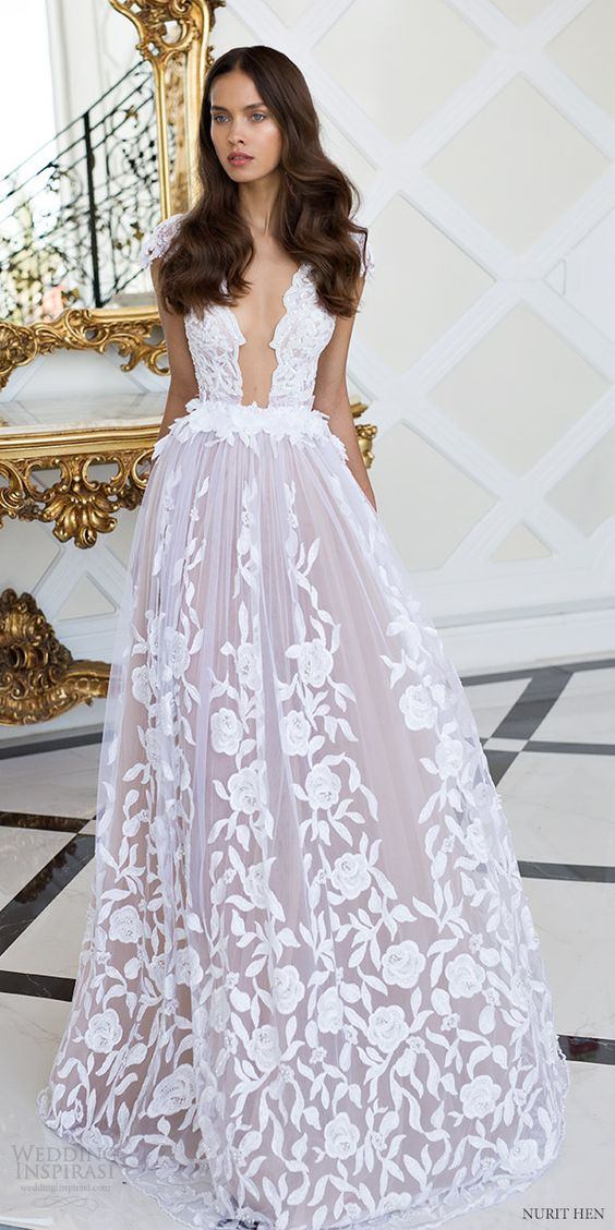 Beautiful lace wedding dress for Wedding dresses to die for