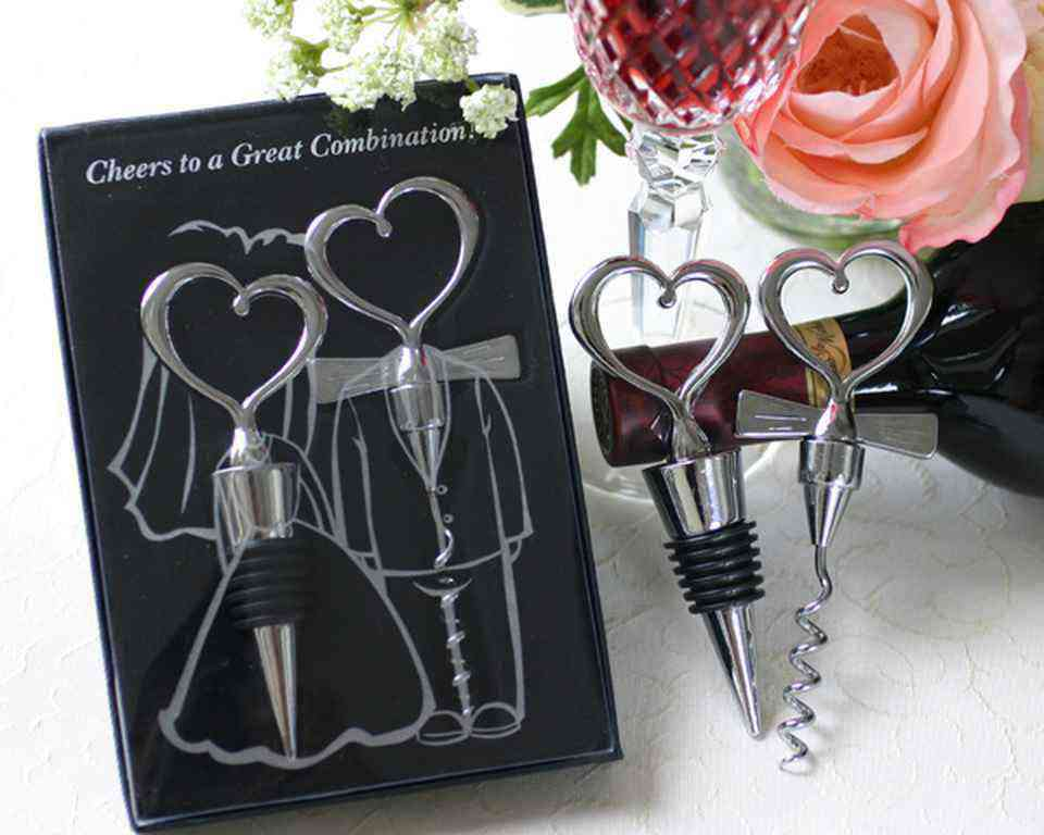 Wedding favors for guests 9 wedding favors your guests will actually want to grab apartment junglespirit Choice Image