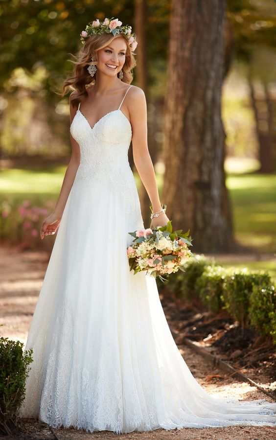 A frame wedding dress for Wedding dresses for small frames