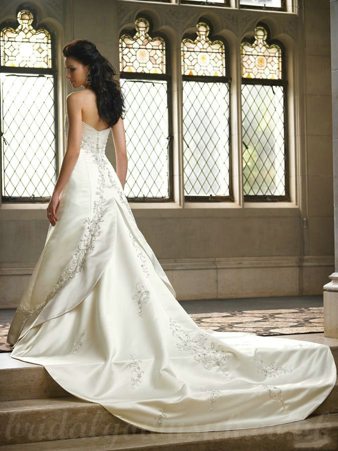 Wedding Dresses With Cathedral Train. Appliques Satin Ball Gown ...