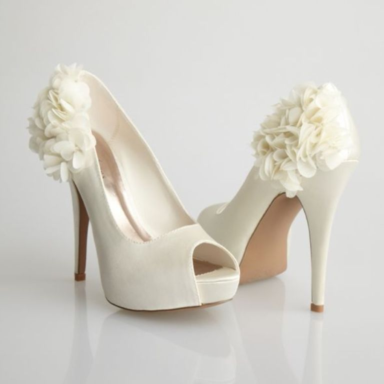 Best wedding shoes choosing the perfect pair of wedding shoes junglespirit Choice Image