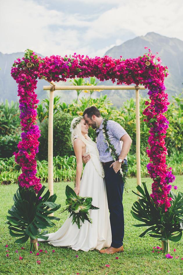 Hawaiian wedding ideas cool colourful gorgeous hawaiian wedding junglespirit Image collections