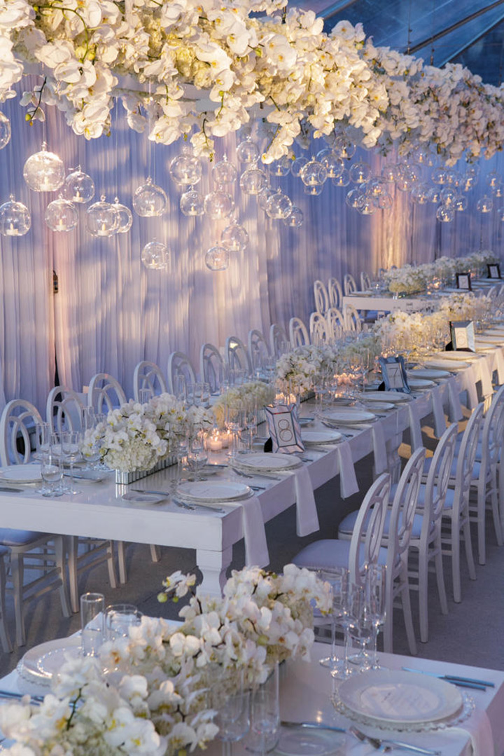 All white wedding decor its a nice day for a white wedding junglespirit Image collections