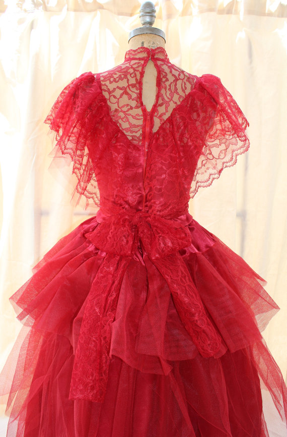 Red wedding dress beetlejuice for Lydia deetz wedding dress