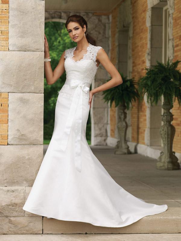 Queen Anne Neckline Wedding Dress