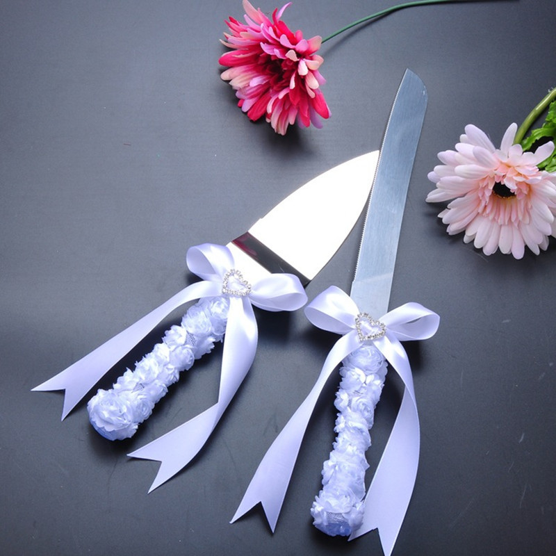 wedding cake cutters how to decorate a wedding cake knife 8610