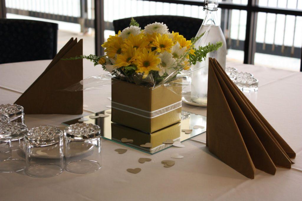 40th Wedding Anniversary Flower Arrangements