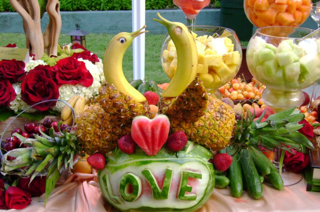 pictures of fruit trays for weddings