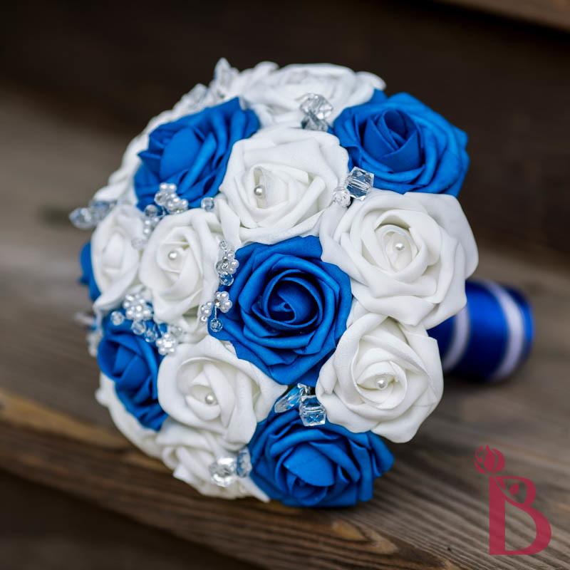 Круглые свадебные букеты синие цветы