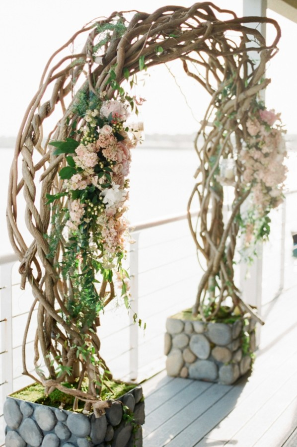 Curly Willow Branch Wedding Ceremony Arch