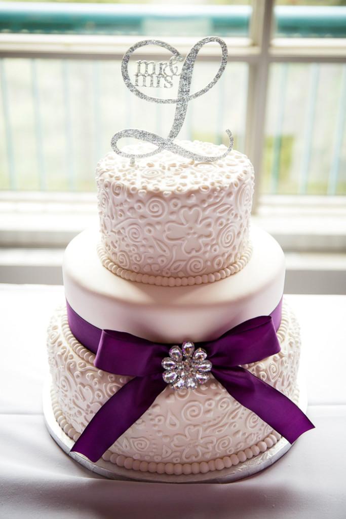 Elegant Purple Wedding Cakes