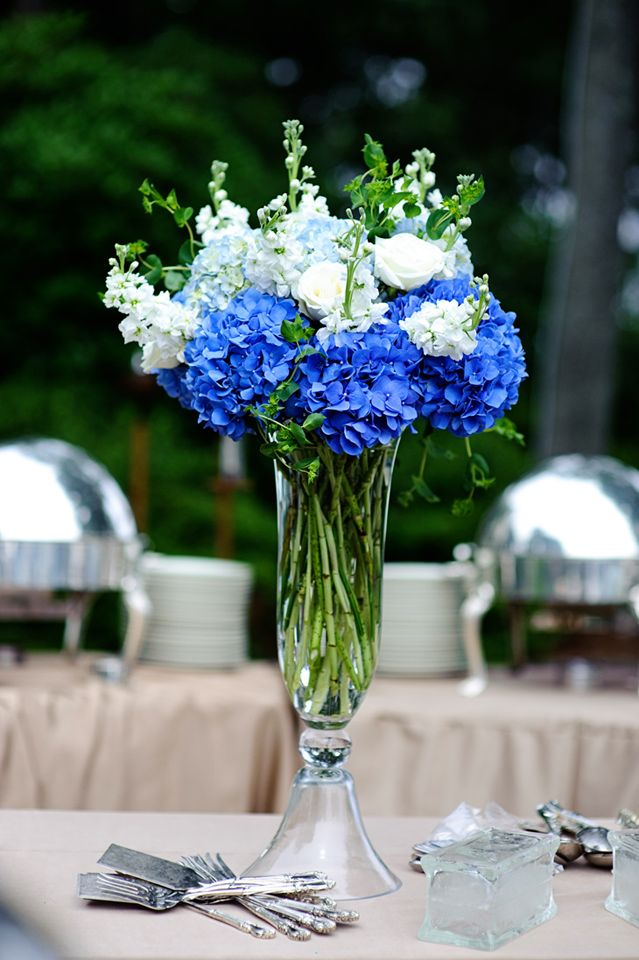 Blue and white flower arrangements for weddings mightylinksfo Images