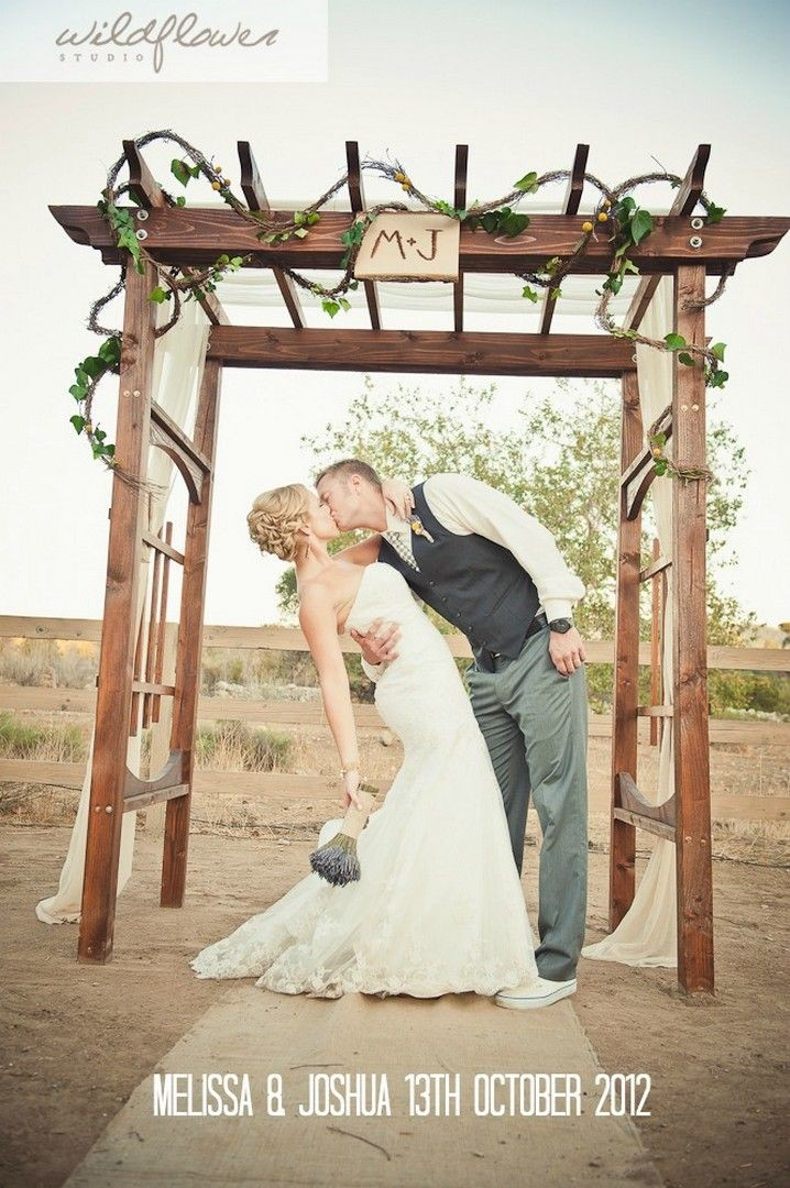 M J Chic Diy Ladder Shaped Wooden Arch For Ranch Wedding