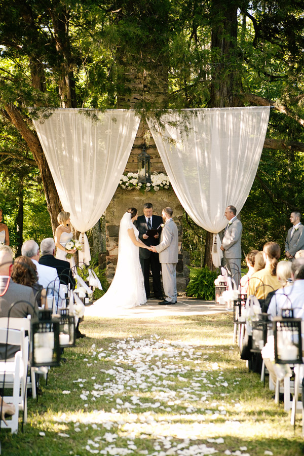 Outdoor wedding altar decoration ideas gallery wedding decoration outdoor altar decorations for weddings images wedding decoration ideas junglespirit Image collections