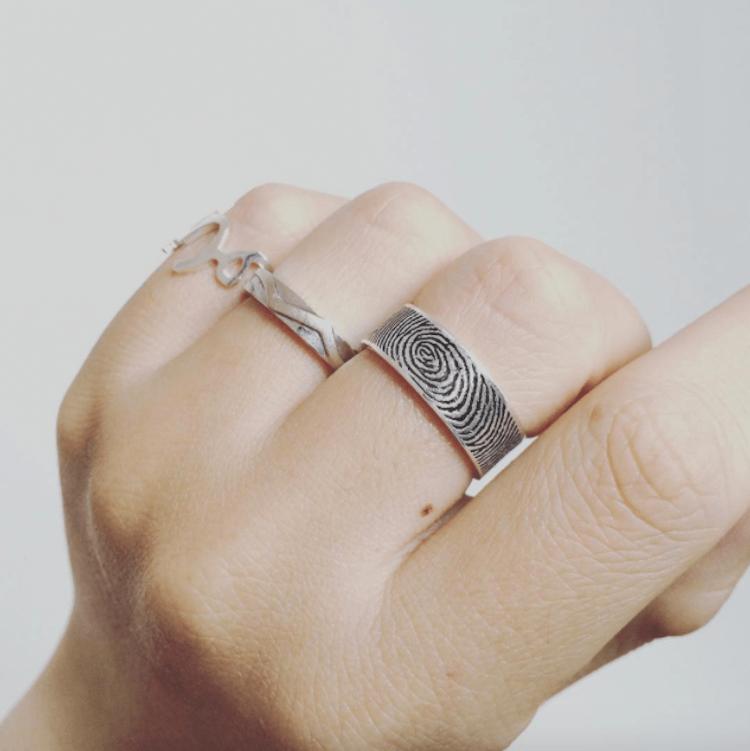 The Fingerprint Wedding Ring Lets You Carry Her His Fingerprints