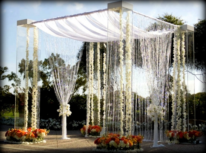 Outdoor Wedding Decorating Ideas For A Pergola Weddingwoow Pergola