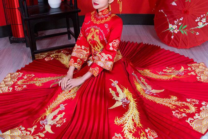 Chinese Wedding Dress The Bride's Wedding Dress Ancient Dragon And